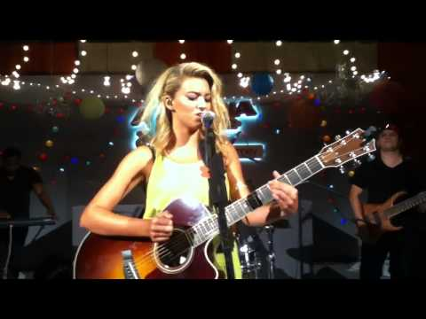 "Tori Kelly - ""Personal"" Arizona Jean Co."