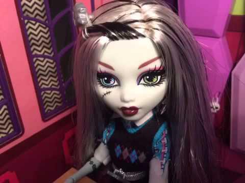 Monster High Cool Kids mini stop motion music video