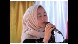 Video Nissa Sabyan - Qomarun download MP3, 3GP, MP4, WEBM, AVI, FLV Agustus 2018