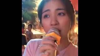 Hoà minzy hát livestream 2 tiếng trong đám cưới chị gái