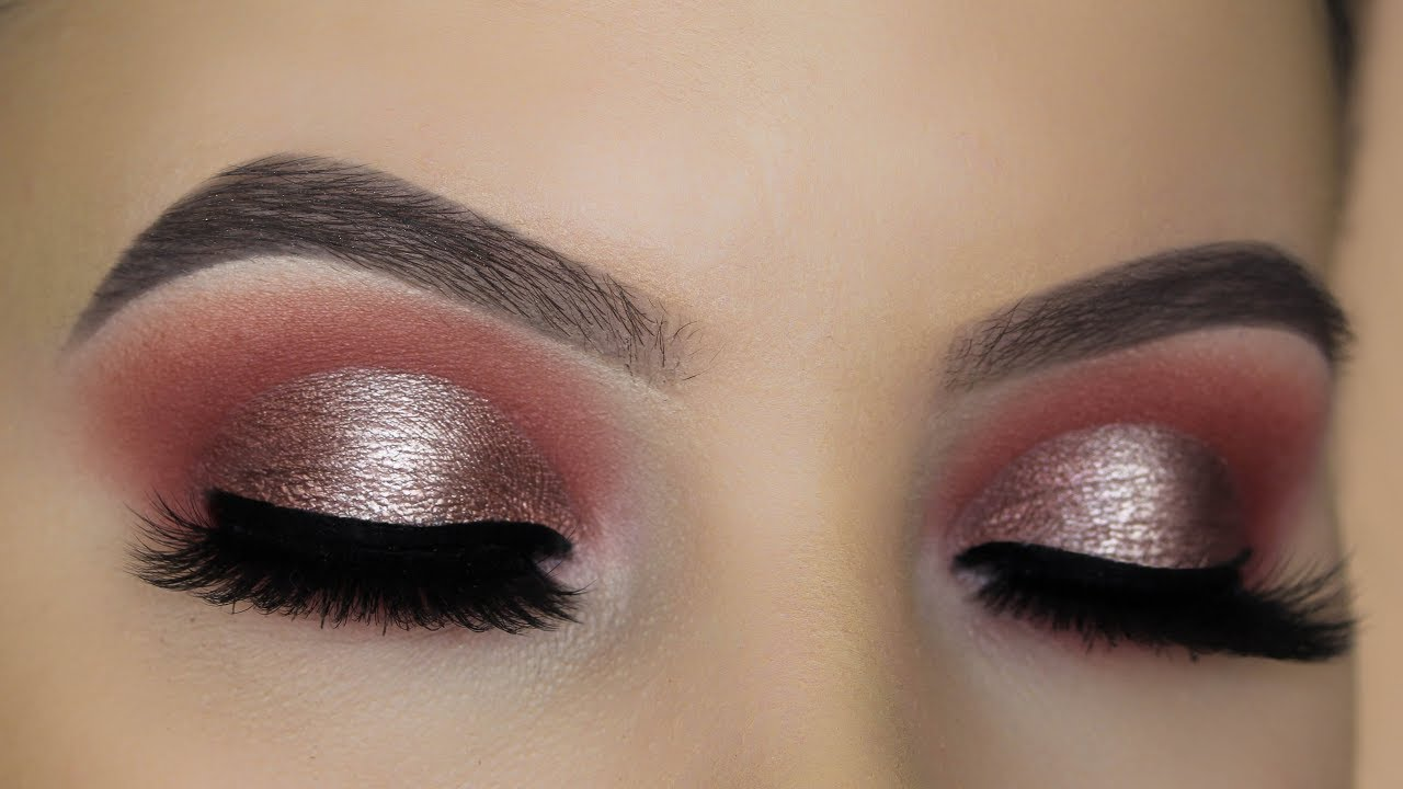 Watch How to Get the Halo Eye MakeupLook video