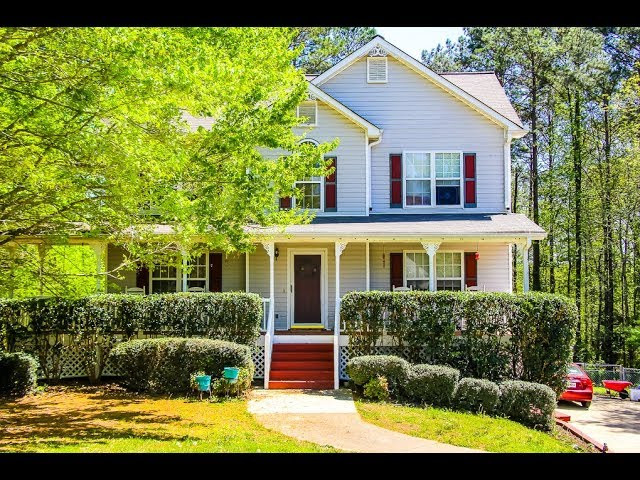 Great Price! Great Location! Motivated Seller!  3 bedroom 2.5 bath traditional Dallas, GA