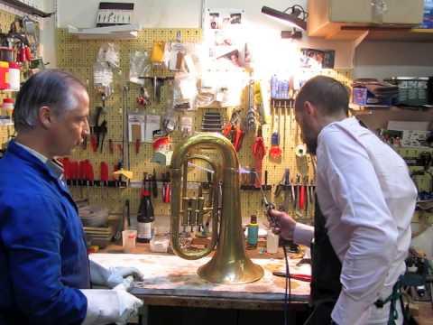 Stage de réparation d'instruments de cuivre