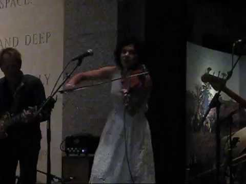 Carrie Rodriguez -- Absence (Live 2014)