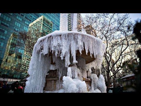 Морозы в США: в Нью-Йорке замёрзли фонтаны (новости)