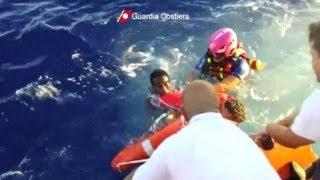 حزن وصدمة في إيطاليا إثر غرق سفينة تقل مهاجرين