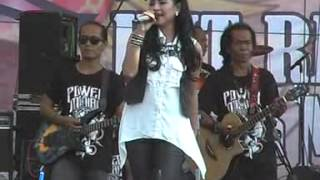 Video Semalam Di Malaysia Voc.Erni Dianita MONATA Live Pantenan Gresik 2015 By@udinUDF download MP3, 3GP, MP4, WEBM, AVI, FLV Oktober 2017