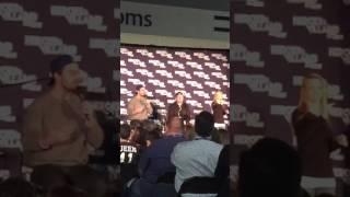 Arrow fan Fest : Stephen Amell shuts down Olicity fan question @ #hvff