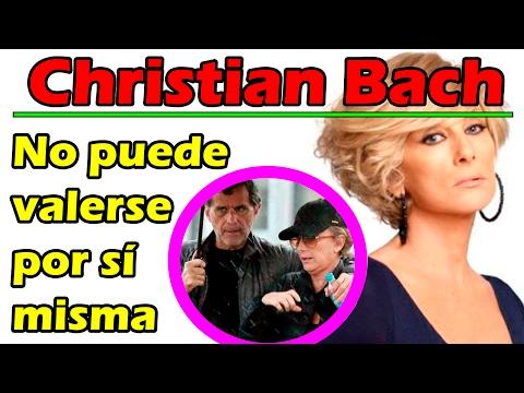 Christian Bach no puede mover sus manos