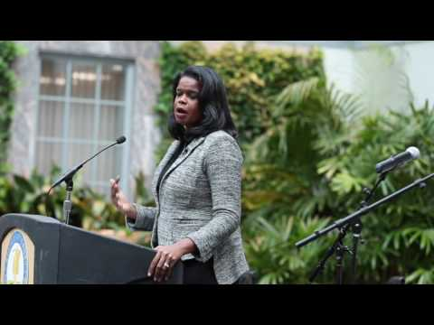 Kim Foxx sworn in as Cook County state