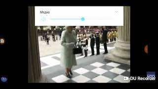 Кто помогает королеве Англии ☆