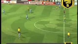 ملخص مباراة الاتحاد والهلال 3 - 1   دوري ابطال اسيا 2011