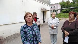 Смотреть видео Депутат ЗС от ЕР не хочет ответить за пенсионную реформу онлайн
