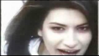 Laura Pausini - Amores Extraños (Strani Amori) 1993
