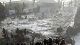 Massive rogue wave injures crowd at the Maverick