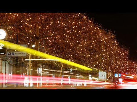 شاهد: احتفال بمرور 200 عام على أشهر ترانيم عيد الميلاد المسيحية…