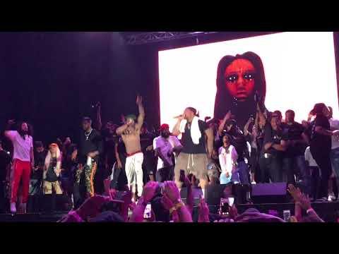 Lil Wayne Closing Weezyana Fest with No Worries (2017)