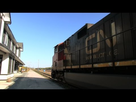 IC 2697 at Sioux Lookout (26SEP2014)