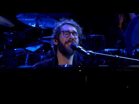 Josh Groban - Bridge Over Troubled Water (Live from Madison Square Garden)