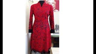 Шерстяное платье с манжетами из натуральной замши, отделкой металлическими замками молния