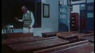 Har Ghadi Dhal Rahi Sham Hai Zindagi - Anupam Kher & Rohini Hattangadi - Saaransh