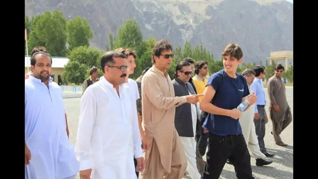 Imran Khan With His Sons, Kasim & Suleiman At Shangrila
