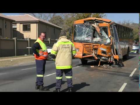 Bus crash sees multiple injured