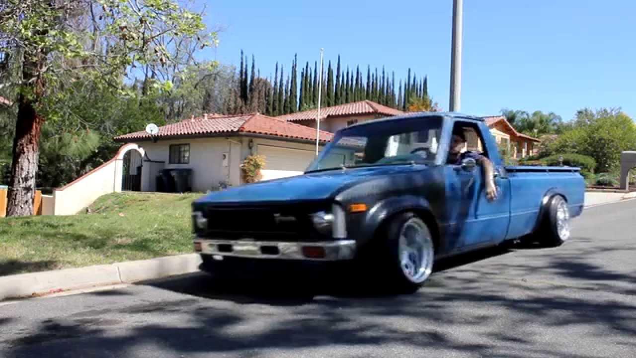 83 toyotum truck [ 1280 x 720 Pixel ]