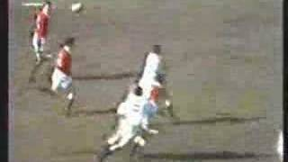 Barry John try vs England