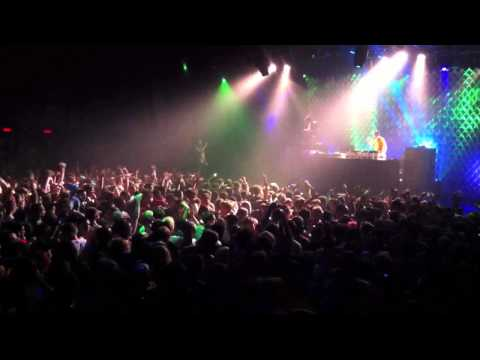 Flux Pavlion/Doctor P Live @ Best Buy Theater