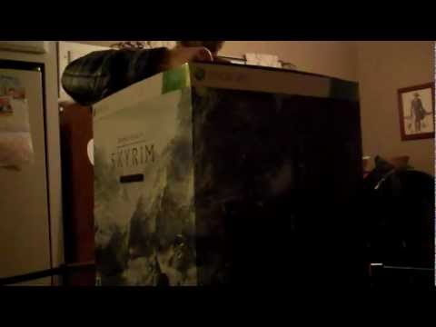 Elder Scrolls V: Skyrim Collector's Edition Game & Guide Unboxing!