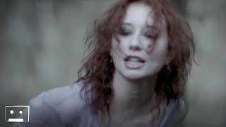 Watch Tori Amos Spark video