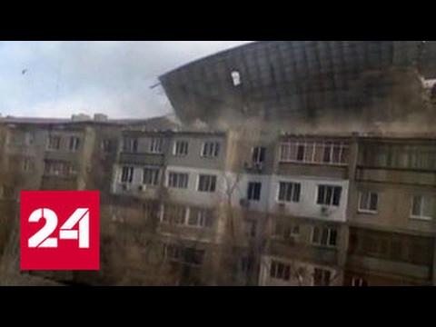 В Новосибирске ветер сносил крыши и остановки