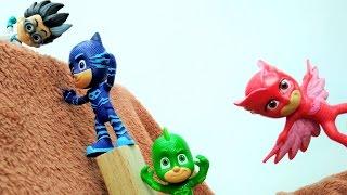 Видео с игрушками для детей: Кэтбой и Гекко против Ромео