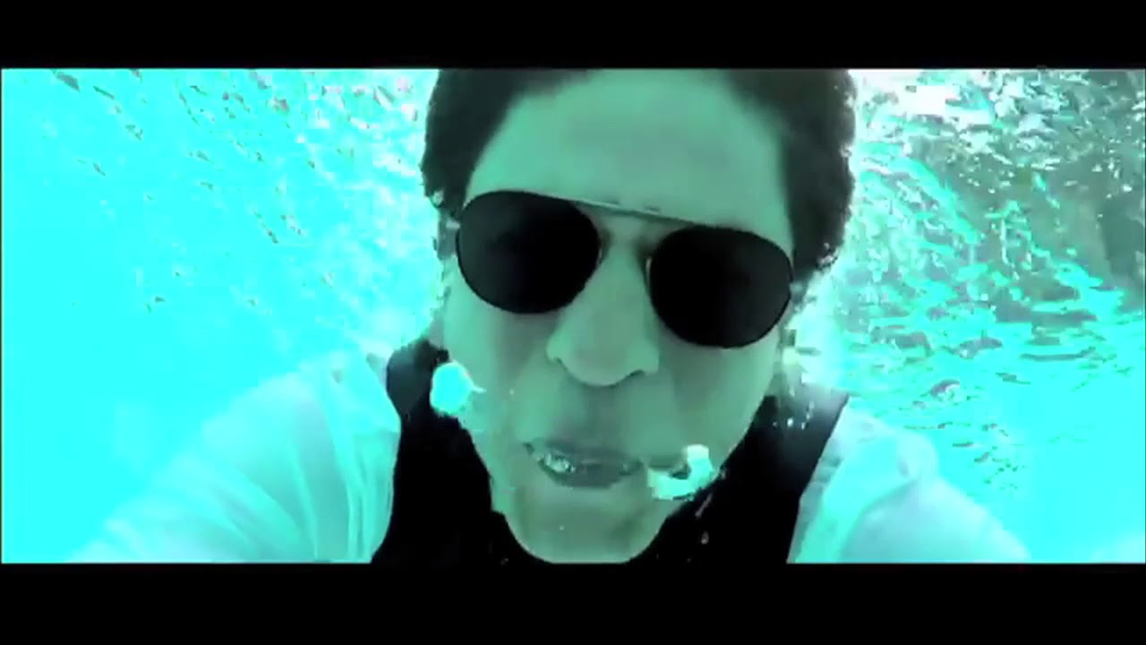 80c67e3b72 Shahrukh Khan Goes Underwater To Thank 33 Million Followers - YouTube