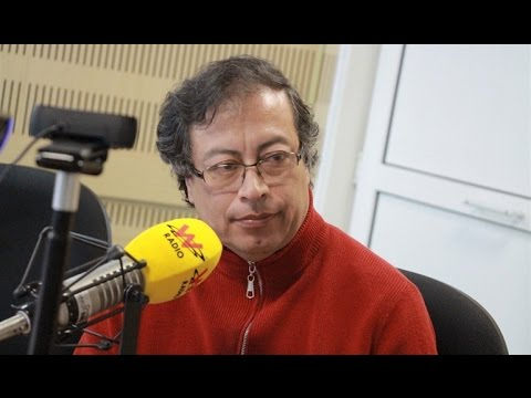 Gustavo Petro habla con Vicky Dávila en La W
