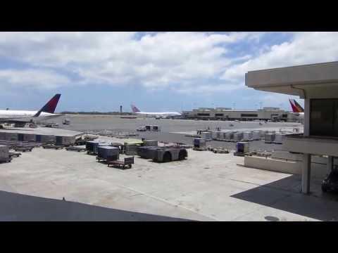 HNL - Honolulu Airport  Walking around