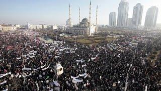 CHARLIE HEBDO - Manifestation massive en Tchétchénie contre les caricatures du prophète Mahomet
