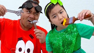 Jannie Pretend Play Staged Chocolate Real or Fake Food Challenge for Kids