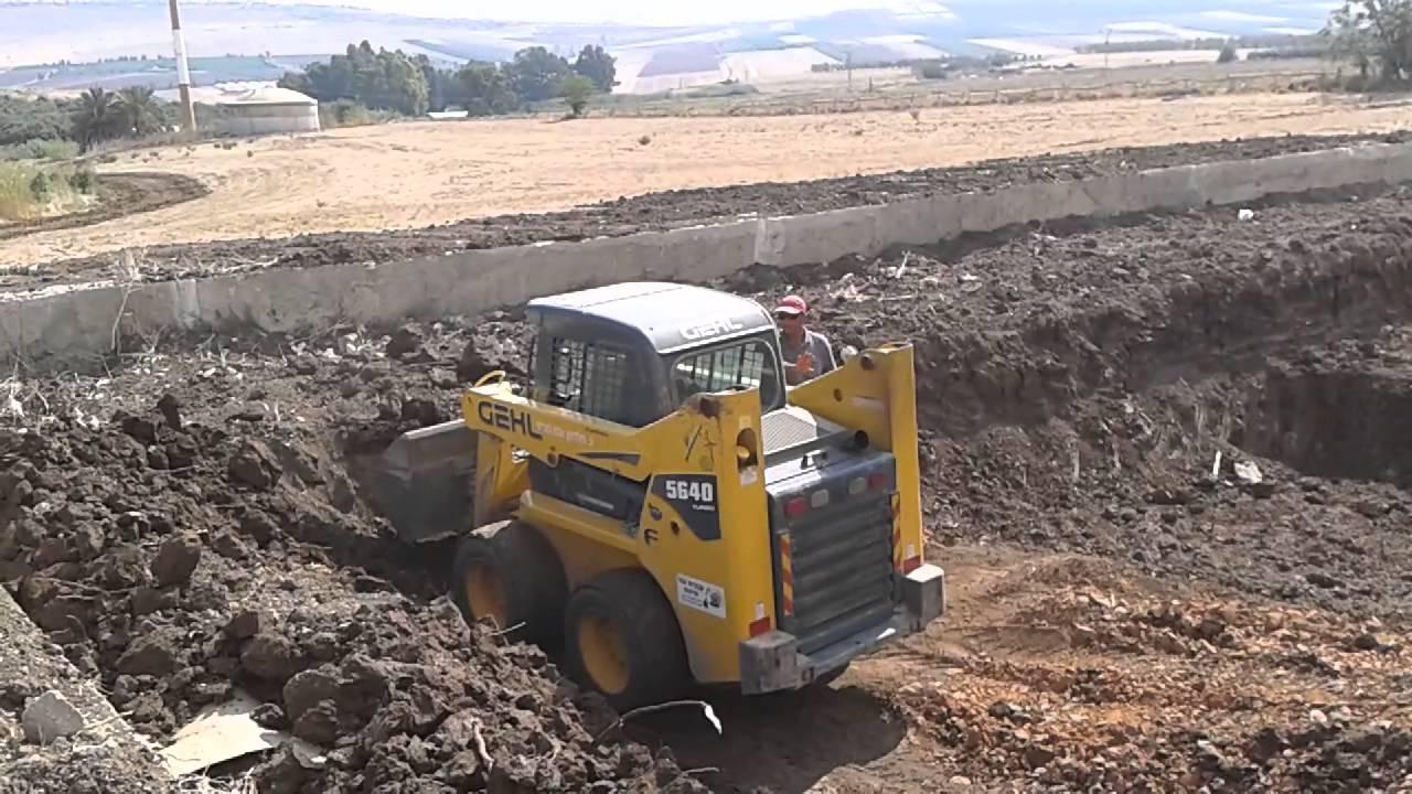 עדכני אייל בן עטיה עבודות עפר ופתוח - YouTube CE-76