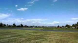 P-51 Mustang qui  frôle le sol