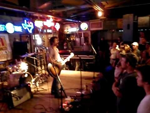Sean McConnell - In My Arms Instead - Live at Gruene Hall