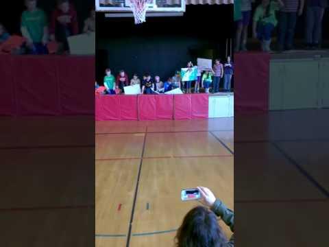 Sadie's Spanish music program 4/2014 Lake Grove School Lake Oswego