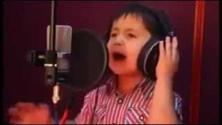 Anak kecil bersuara merdu