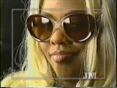 Lil' Kim's First Ever Live Show (1995)