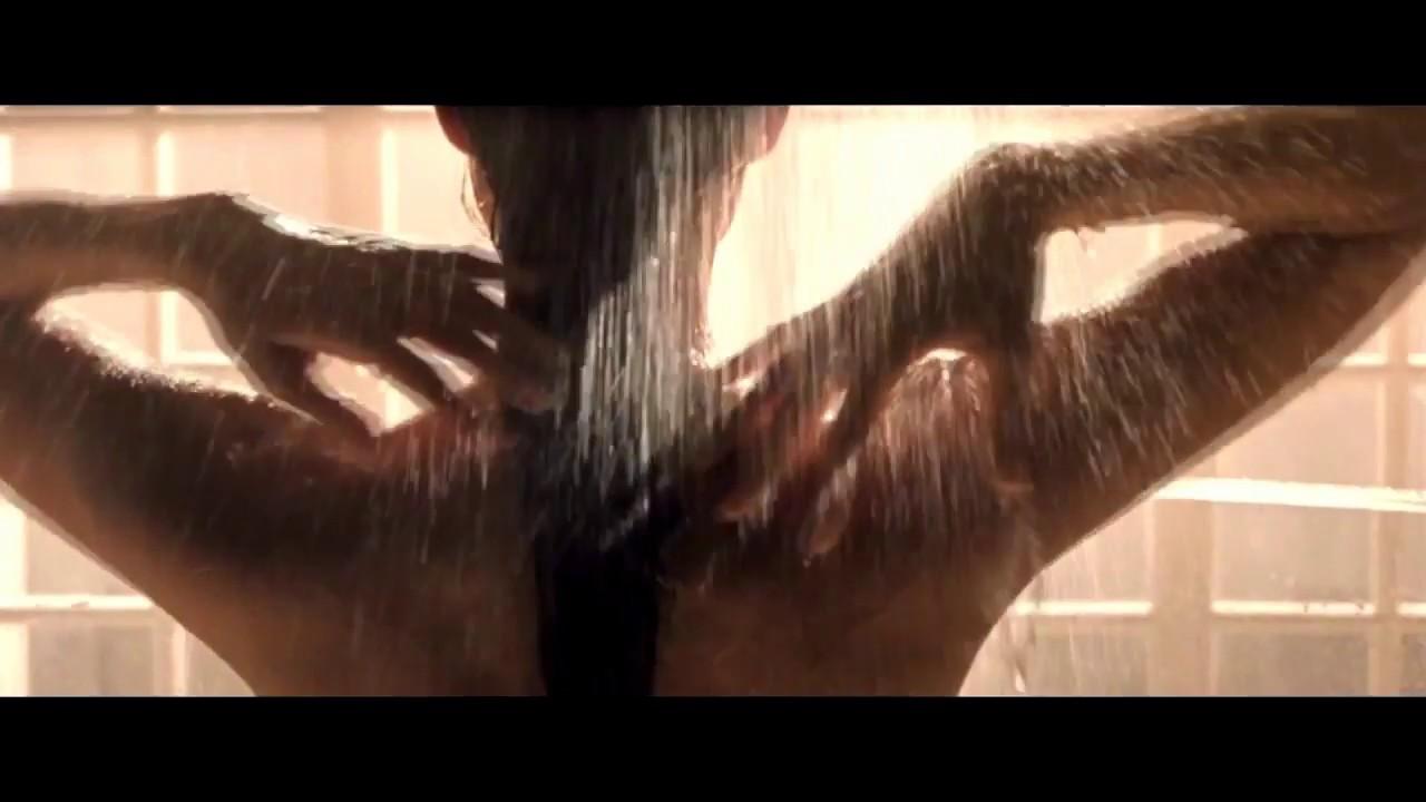 Секс шикарной анджелина джоли в душе работе трахнули