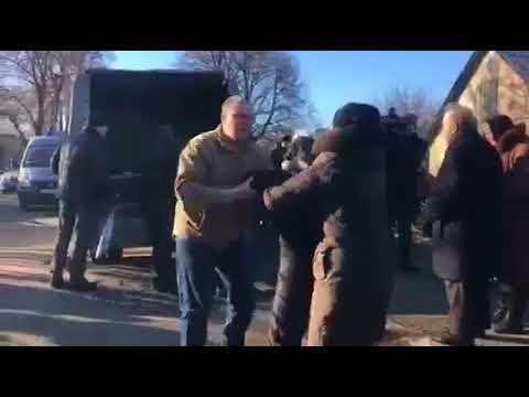 Похороны Ирины Ноздровской. Привезли гроб с телом правозащитницы | Страна.ua thumbnail
