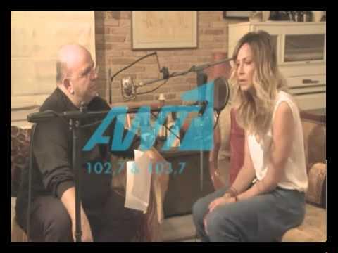 Anna Vissi talks to Nikos Mouratidis (08/03/2011) [fannatics.gr]