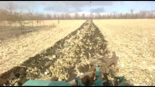Начинаем пахати после уборки кукурузы ч.2