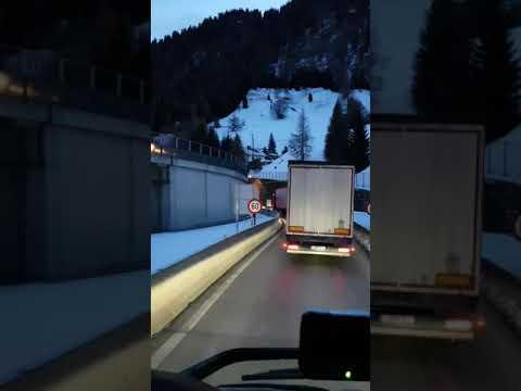 Корона вирус проверка на границе Италия-Австрия!!!СМИ врут!!!